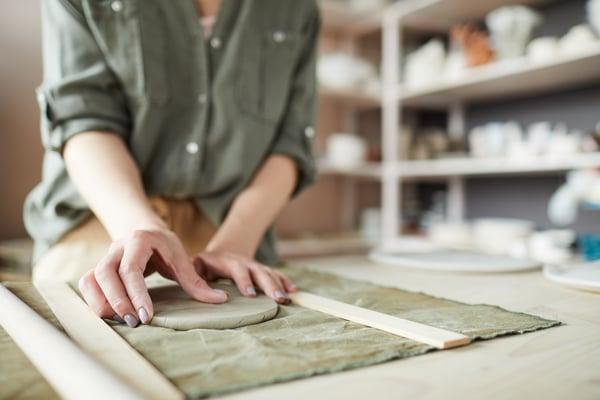 female-artisan-closeup-CUXHKTS