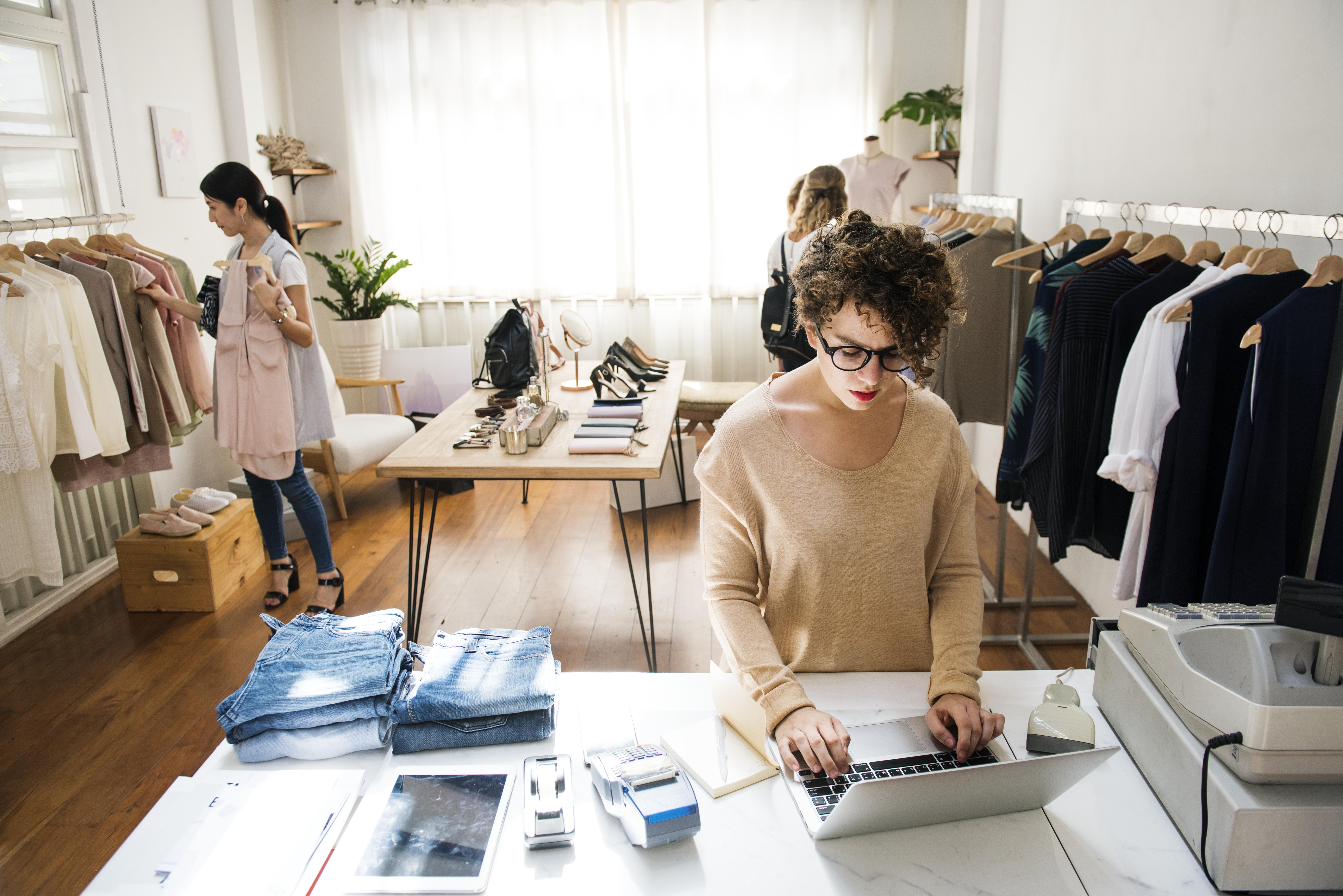 Modelli di Moda Sostenibile: tra Sharing Economy e Fashion Rental