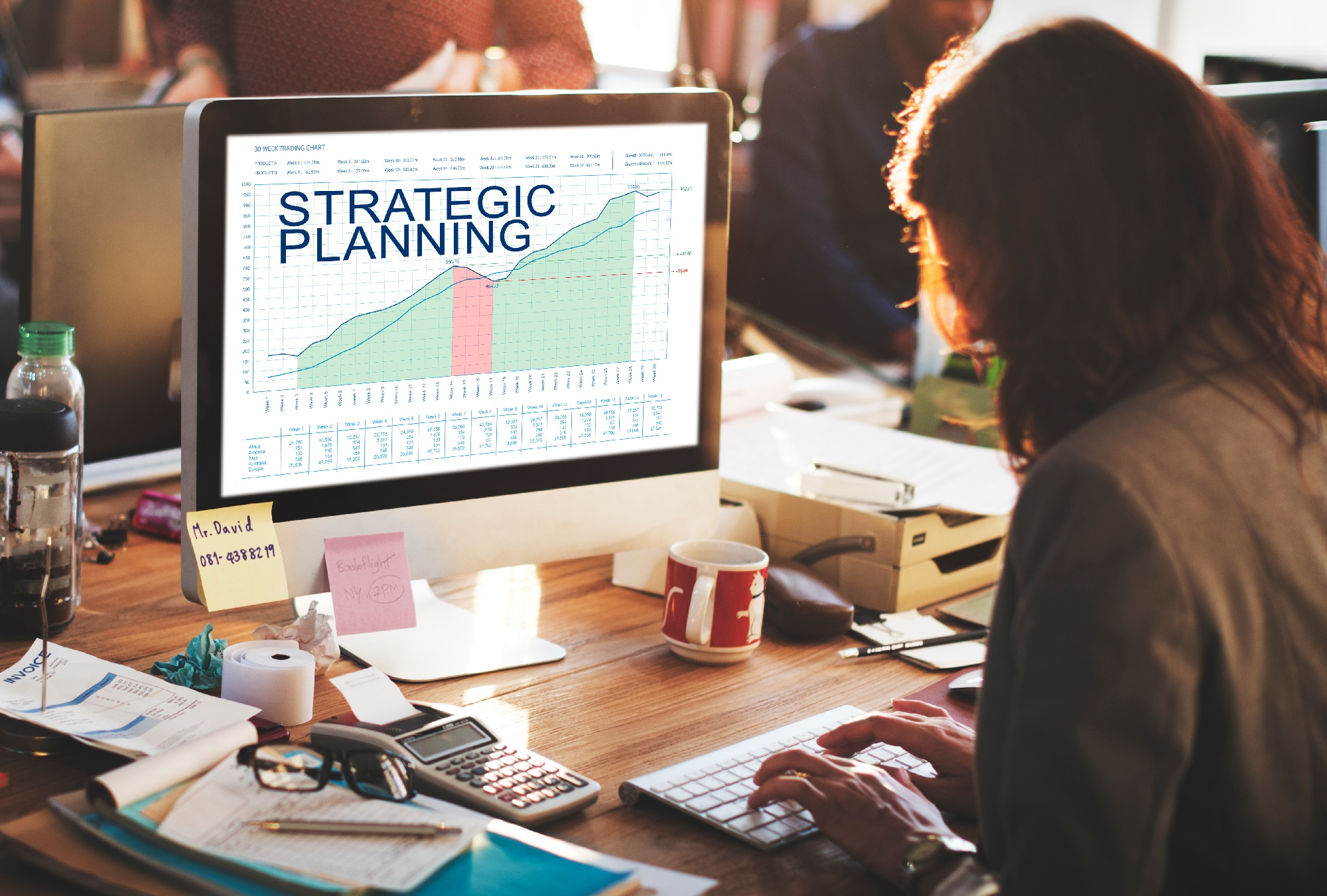 strategic-plan-graphs-business-marketing-goals-con-P8KLT5K-1